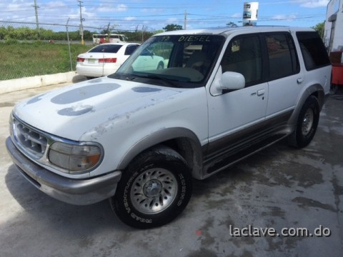 JEEPETA FORD EXPLORER DIESEL AUTOMATICA