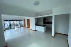 Apartamento en venta en Piantini muy cerca de principales Av del DN espacios iluminados