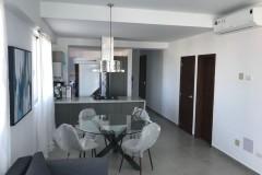 Apartamento moderno en alquiler y venta amueblado en Serrallés