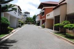 Casa en venta en Arroyo Hondo complejo cerrado