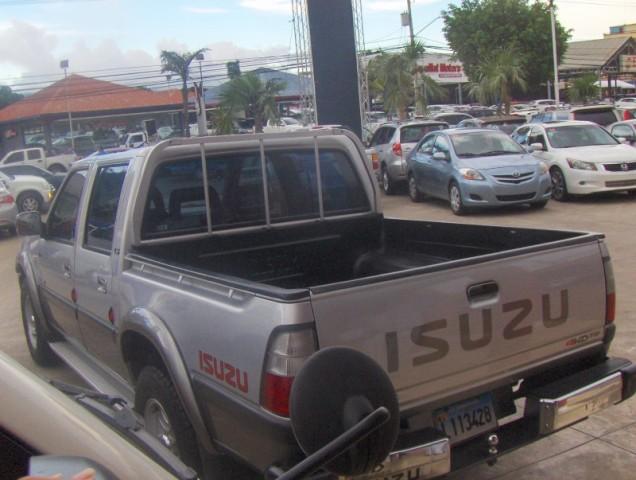 Isuzu en Republica Dominicana. Carros Isuzu Dmax en venta en Santiago