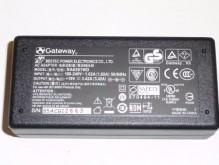 Cargador Gateway Original M-6814m 3000 19v 342a 25mm