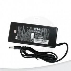 Fuente de laptop HP Compaq con plug oval